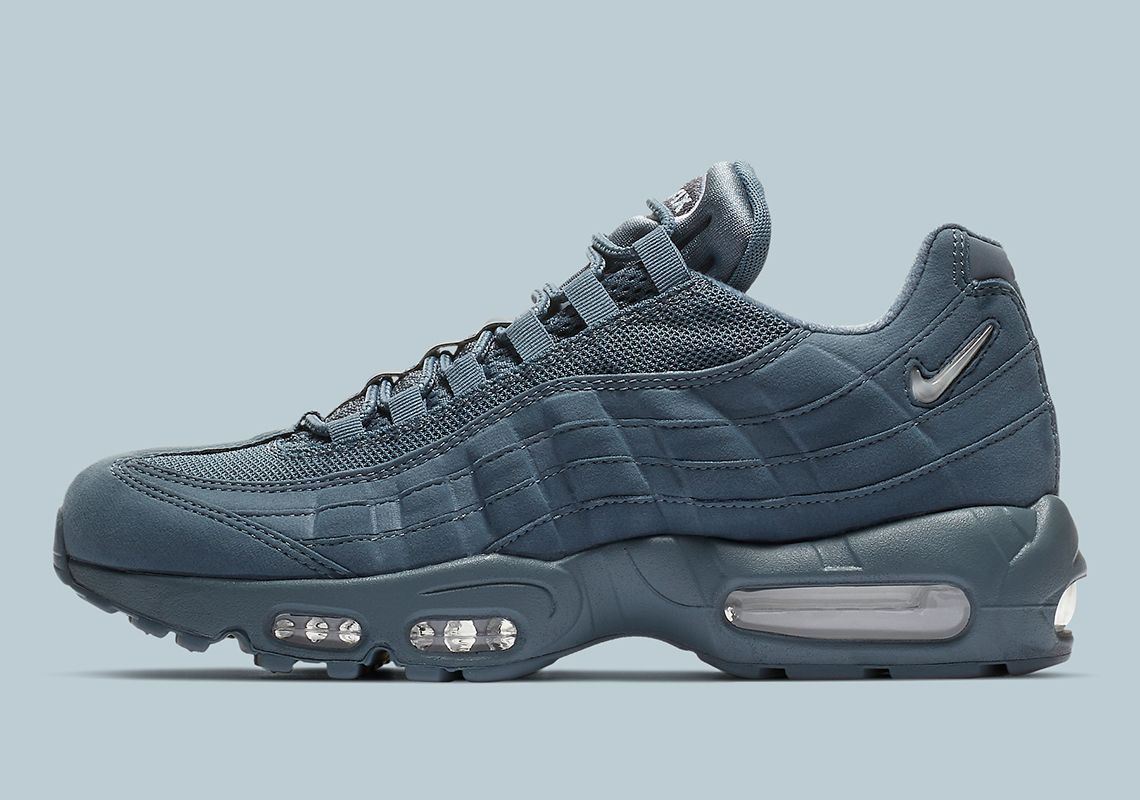 differently 2abf5 48616 Nike Air Max 95 SC Goes Tonal Blue
