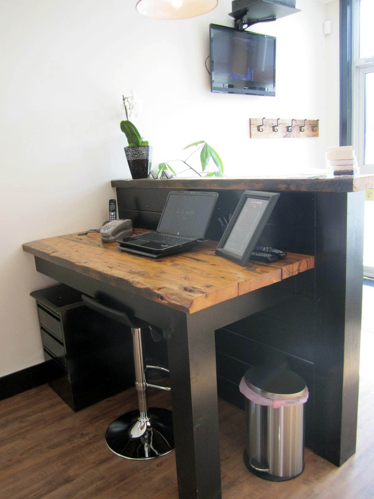 trendy small acrylic desk one and only indoneso com small desk rh pinterest com