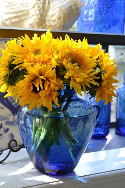 Yellow Flowers In A Blue Vintage Vase Houses Pinterest Vintage