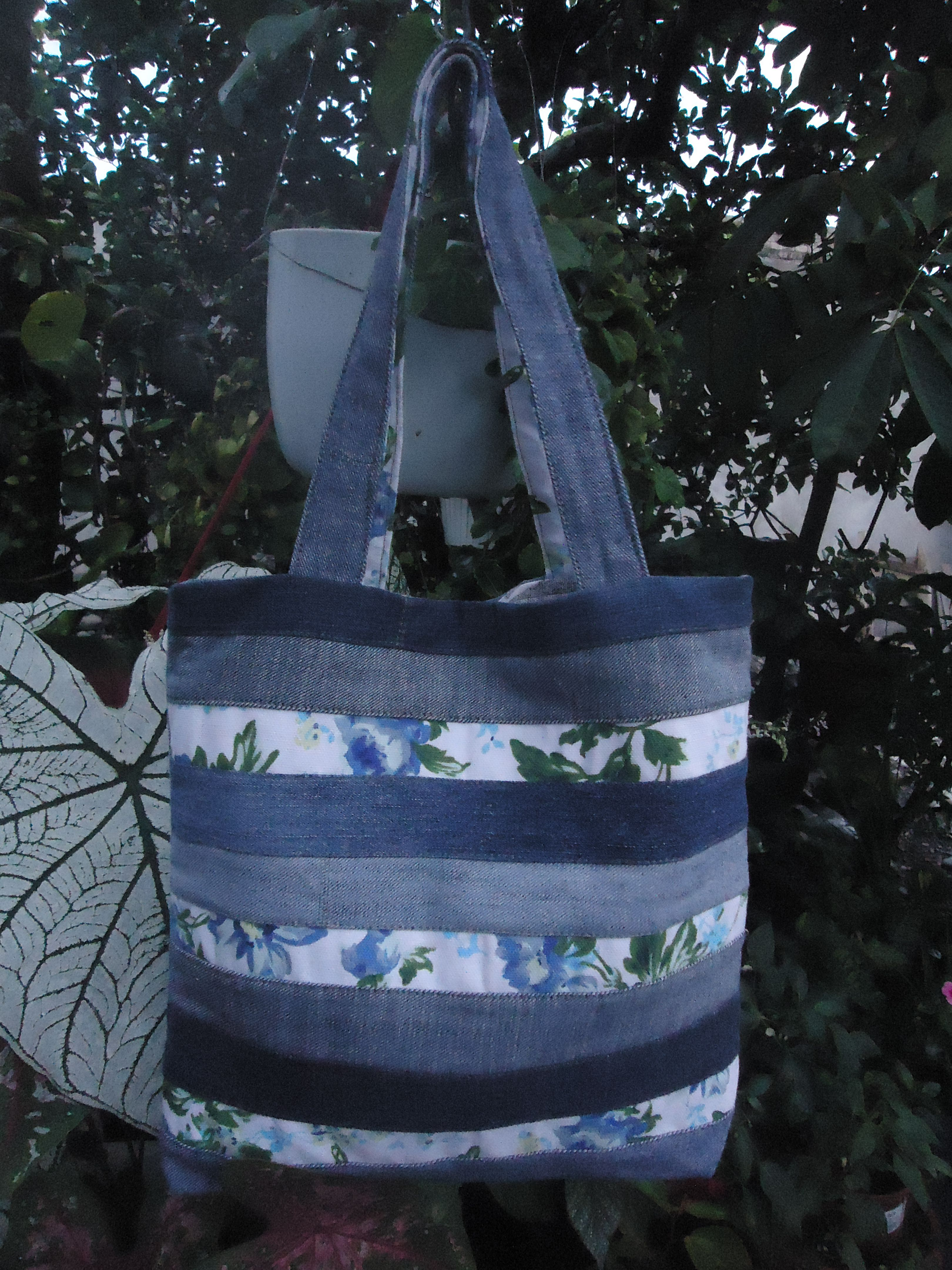 Mi bolso favorito, elaborado  con restos de vaqueros, 100% reciclado.