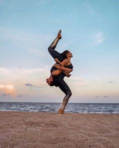 yoga partner poses friends yoga couple challengepartner