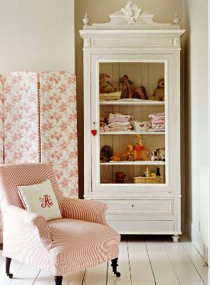 The lush rose garden of UK Glamour stylist Charlotte-Anne Fidler ...