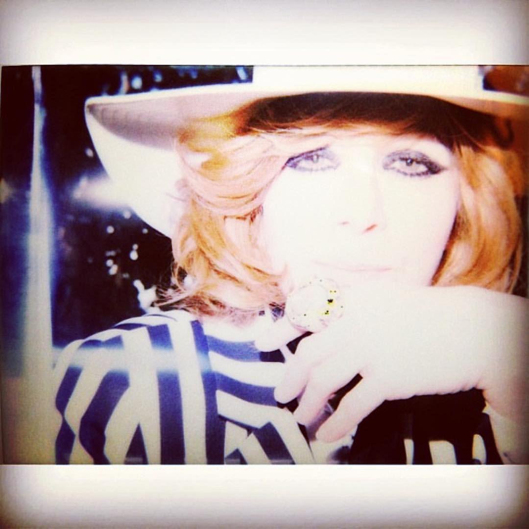 Linda Ramone 👑 — 💜 this #lindaramone 📸 by @mr.jd.king 😉👑🎼💜🎼🦄