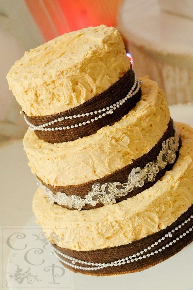 September Wedding burlap cakes, fall wedding cakes with lace and ...