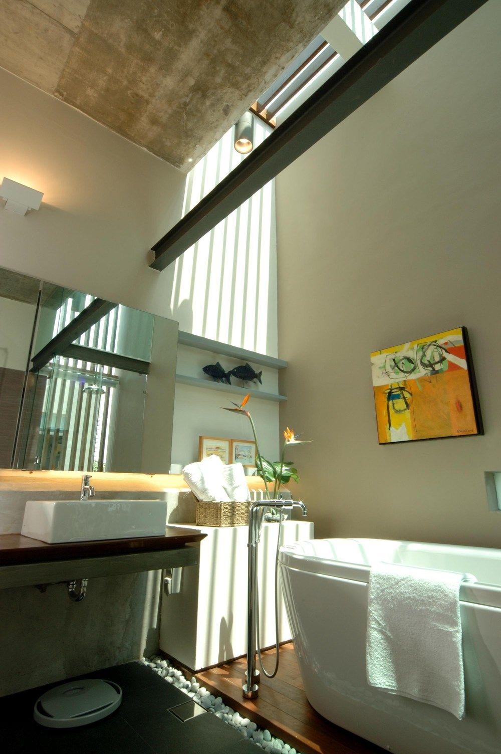 High Ceiling Bath Area Sunlight Access Pebbles Semi