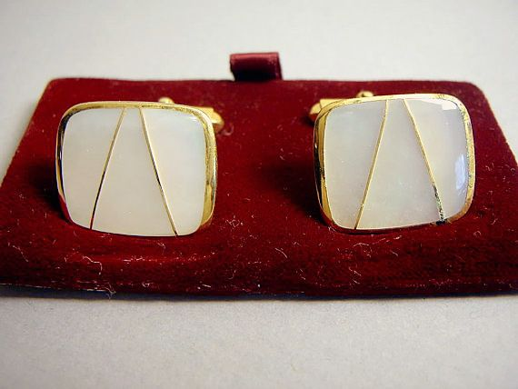These 1940s vintage cufflinks , from Vintage Vasso in Chicago, a are lovely mint condition set mad...