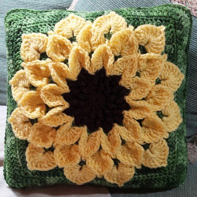 Ravelry: girlandtree's The Crocodile Sunflower Pillow
