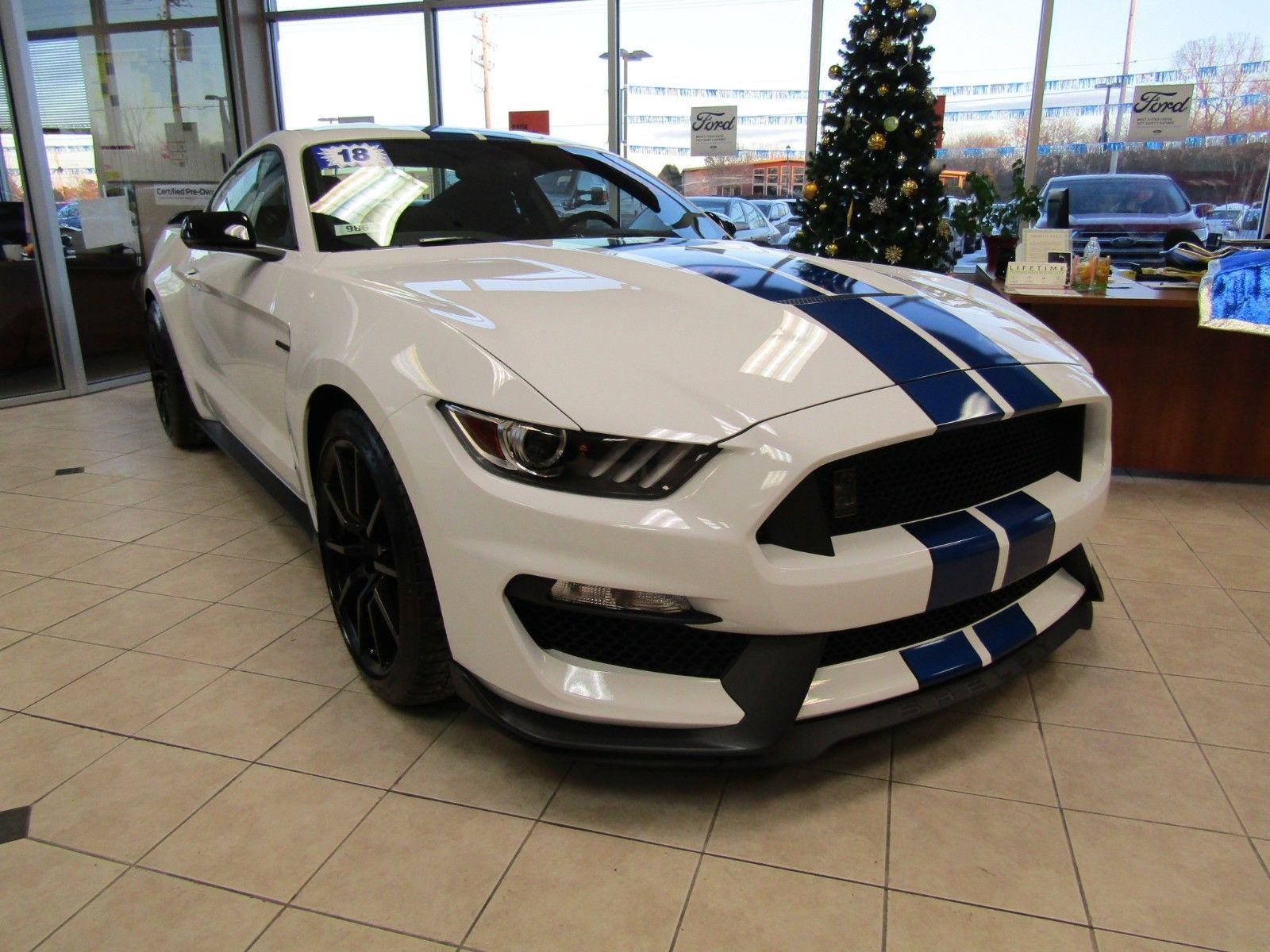ebay 2018 ford mustang shelby gt350 2018 ford mustang shelby gt350 rh pinterest com