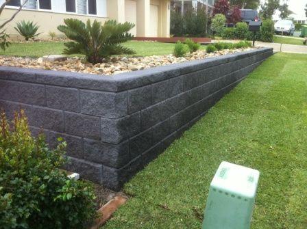 Garden Retaining Walls Sleepers Link Blocks Landscapers North Brisbane Backyard Retaining Walls Garden Retaining Wall Landscaping Retaining Walls