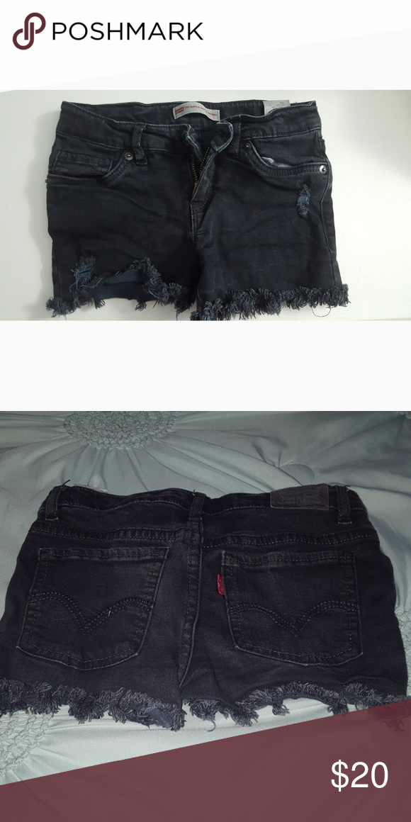 black ripped levi shorts