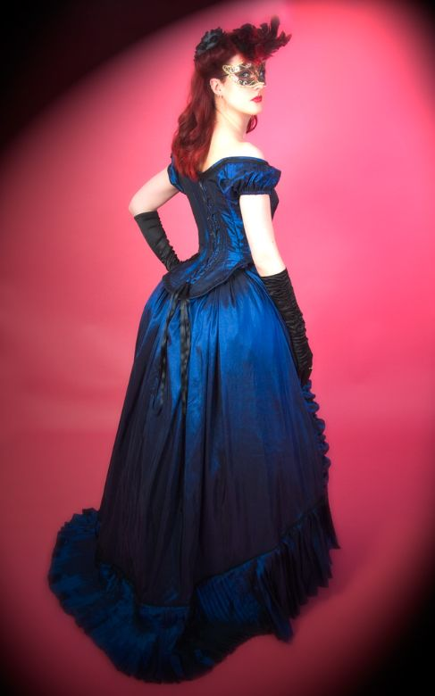 Victorian Evening Gown. There was a beautiful gown I saw like this ...