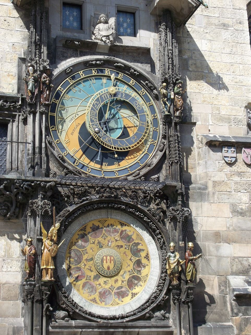 Take a look at these 5 incredible astronomical clocks from all over the world...