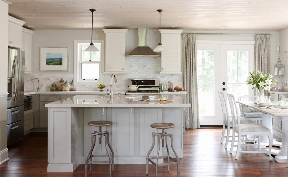 Webisode Kitchen Lowes Renovation Sarah Richardson Takes A Basic Split Entry Home S Kitchen