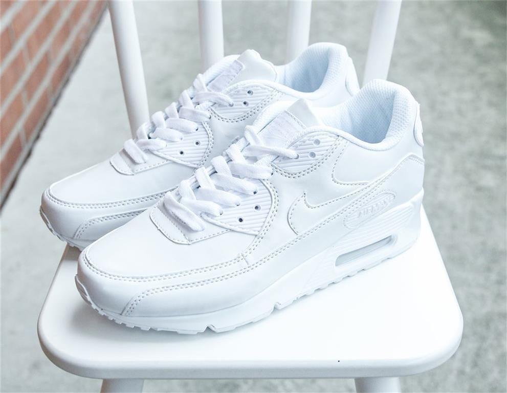separation shoes fe4d0 b0efc Nike Air Max LD Zero 848624-400