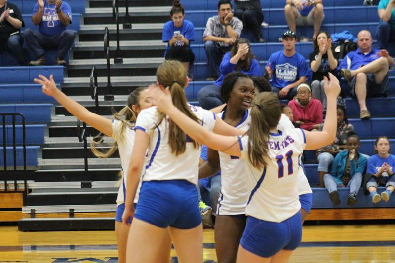 Tem Cat Volleyball Vs Waco Temple Wildcats Temple High School Sports High School Sports School Sports Sports