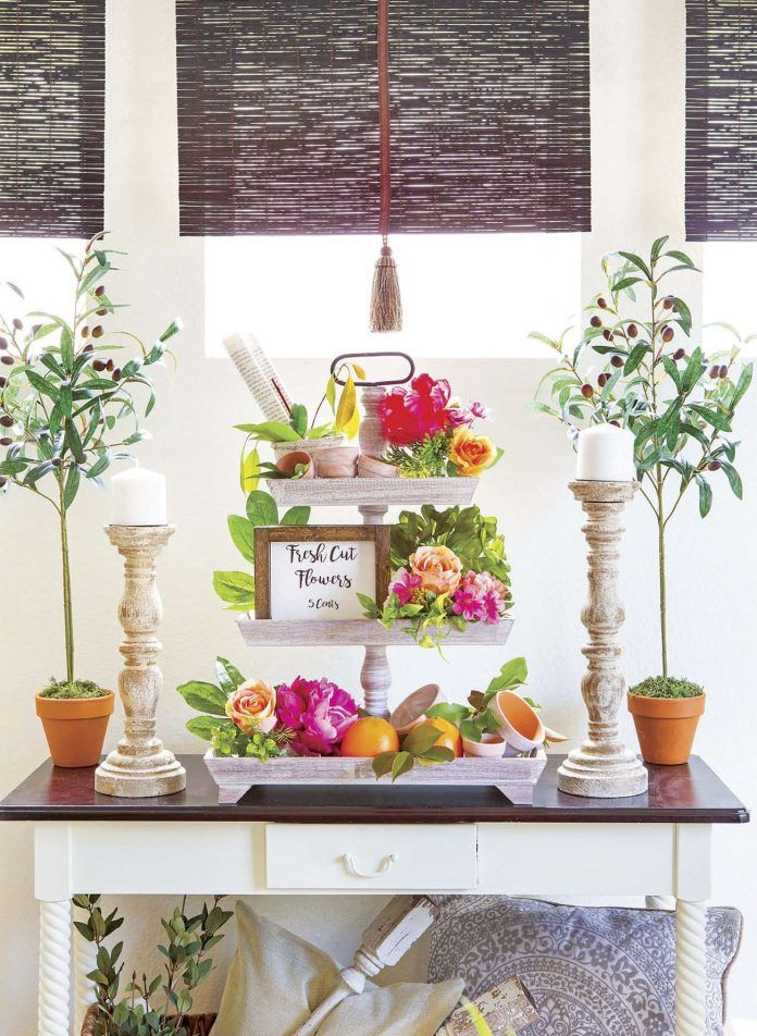 Limitless Rental Style. See more at cottagesandbungalowsmag.com #cottagesandbungalows #rentalstyle #rental #rentaldecor #budget #creativedecorating #vignette #homestyle #stylingwithflowers