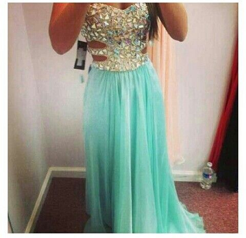 This dress is just too beautiful http://www.promgirl.com/shop/dresses/viewitem-PD966303