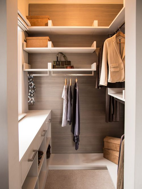 Small Walk In Closet Design Ideas Remodels Photos More Smart Hjem Klesskap Innredning Hus