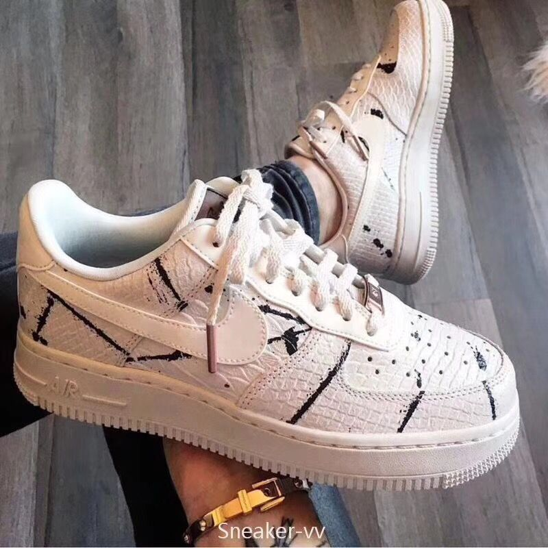 Nike Wmns Air Force 1 07 Lux | Sneakers, Nike shoes, Nike af1