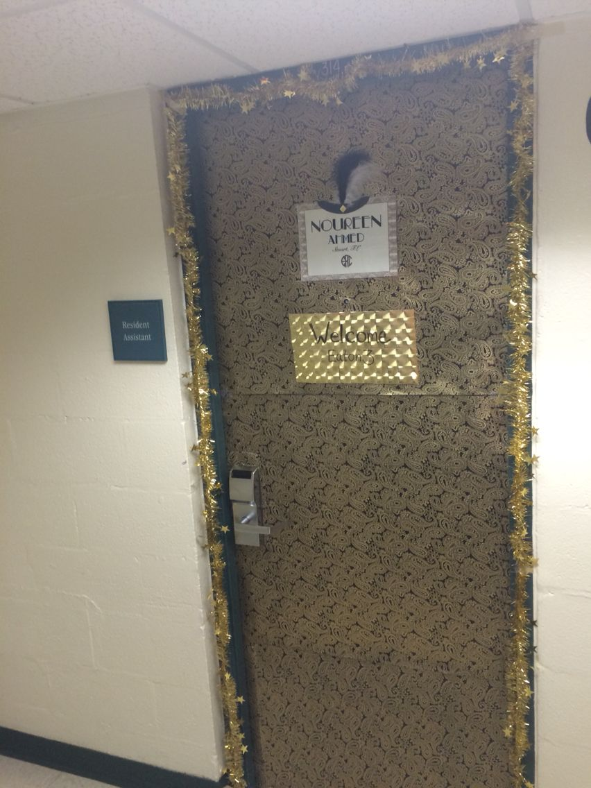 tips on safe partying based on the great gatsby theme ra door decoration based on the great gatsby theme ra decorations at university of miami
