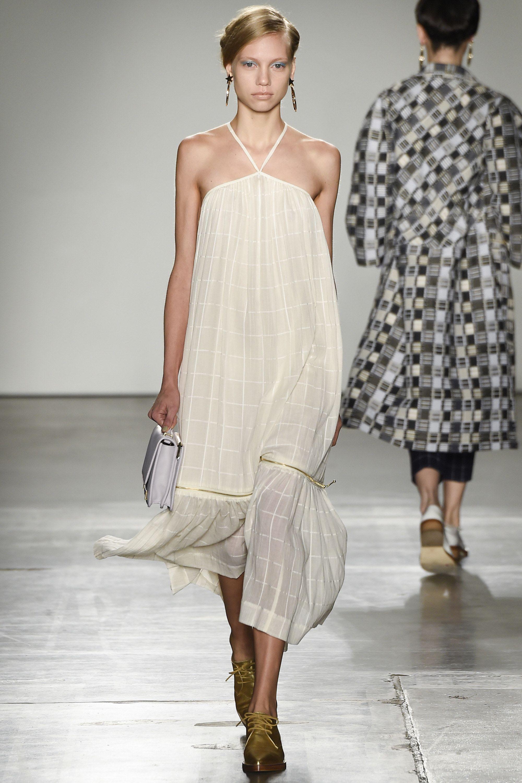 http://www.vogue.com/fashion-shows/spring-2016-ready-to-wear/karen-walker/slideshow/collection