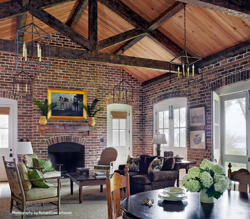 vaulted ceiling with lanterns lake house love ceiling ceiling rh pinterest com