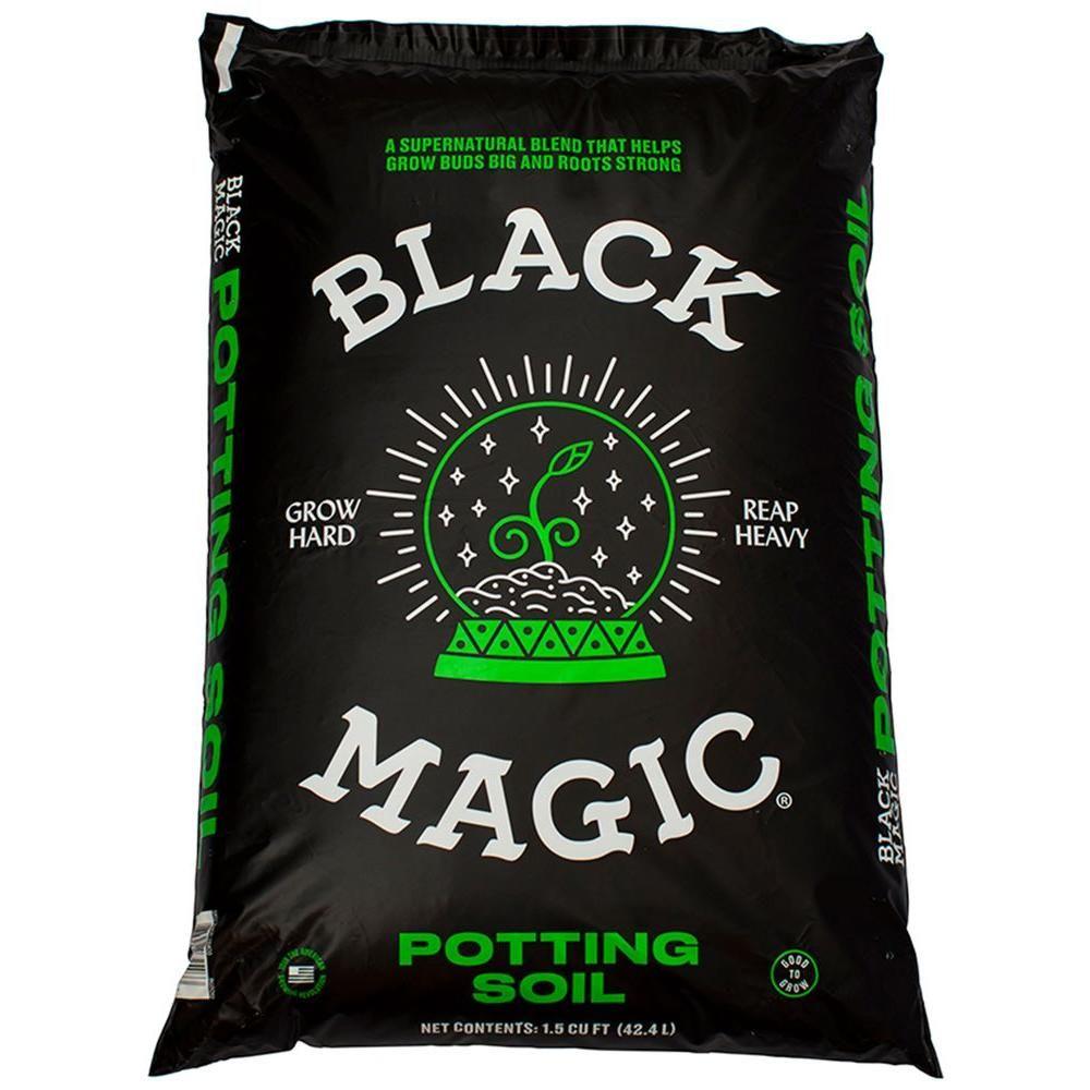 Black Magic 1 5 Cu Ft Potting Soil 1010172459 The Home Depot