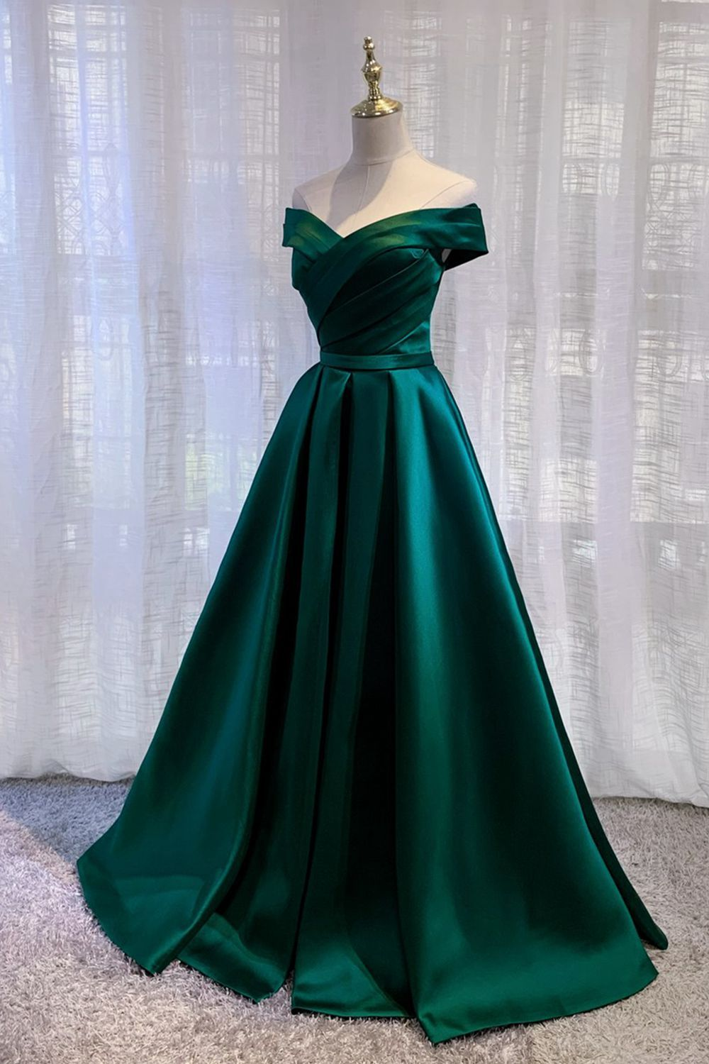 Imported Satin Emerald Green Prom Dresses 2021 Pleated A Line Off Shoulder Vestido Lace Up Back Formal Evening Gowns From Cherishwedding Emerald Green Prom Dress Prom Dresses Dark Green Prom Dresses [ 1500 x 1000 Pixel ]