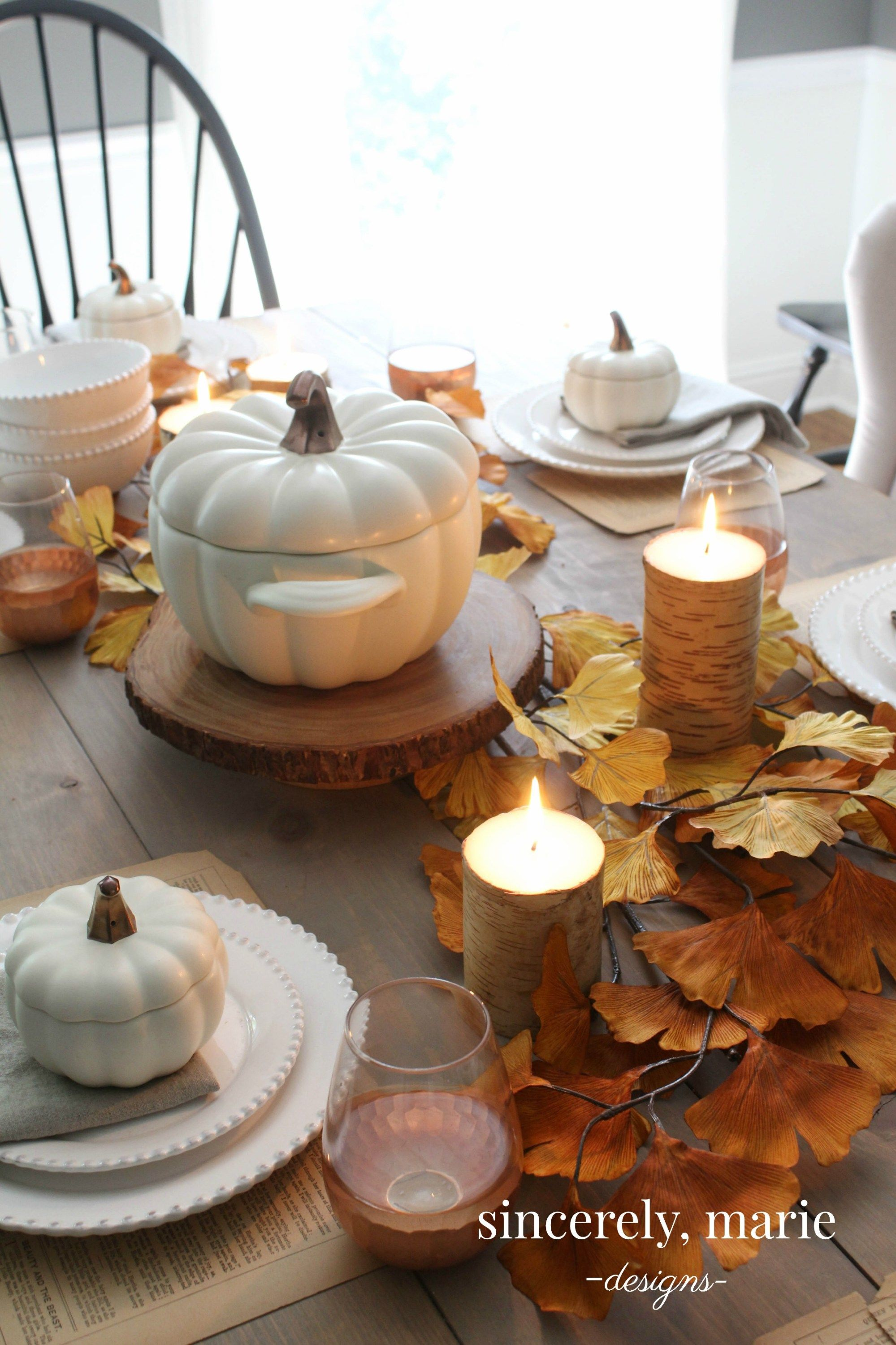 a simple fall tablescape reminiscent of falls past fall rh pinterest es