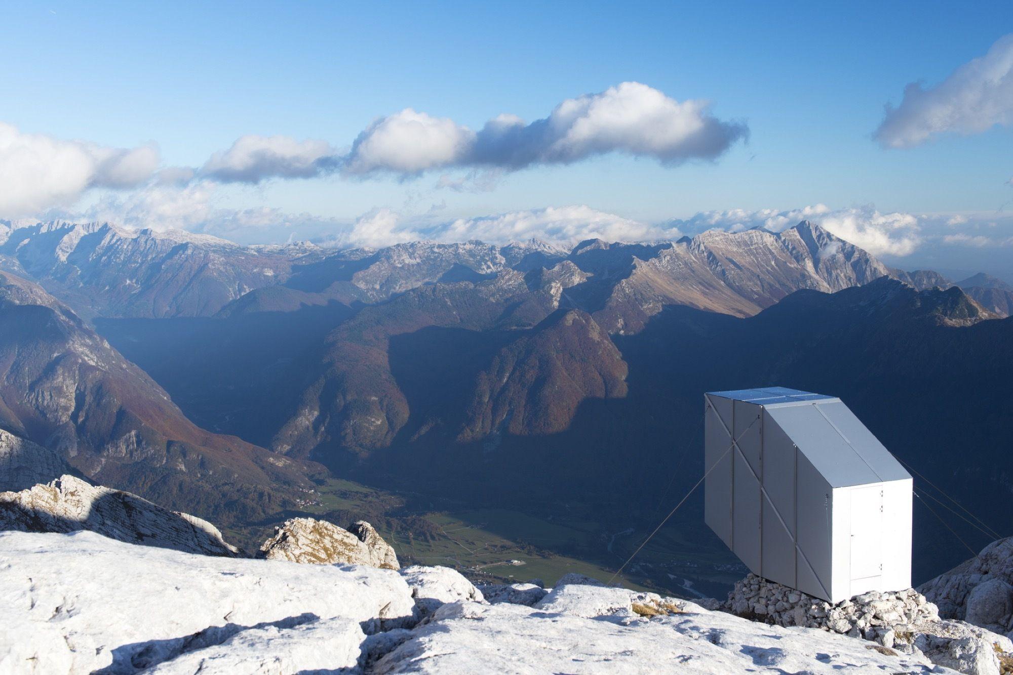 Winter Cabin on Mount Kanin / OFIS arhitekti   ArchDaily