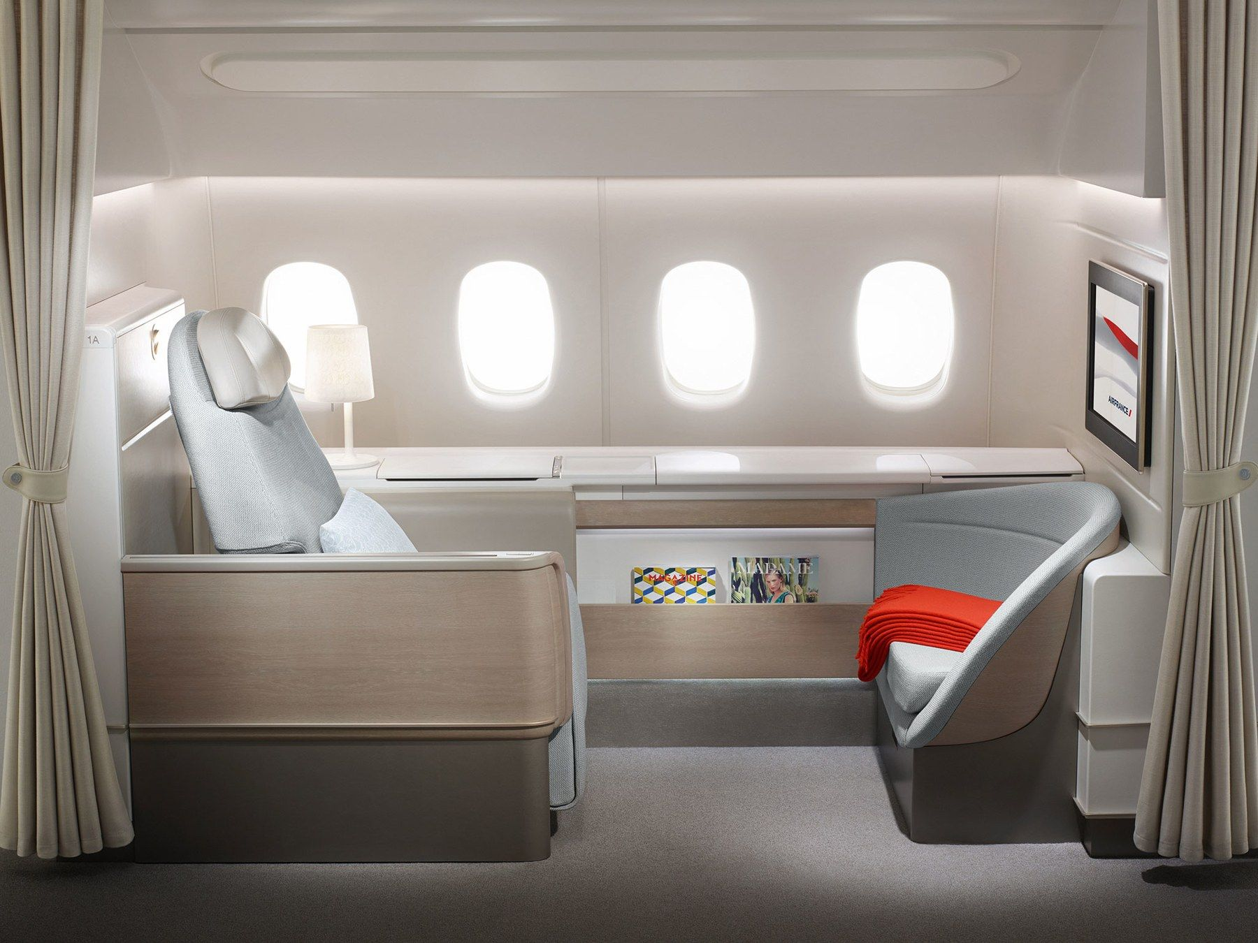 Best First Class Airline Seats Pictures First Class Airline Business Class Travel Flying First Class