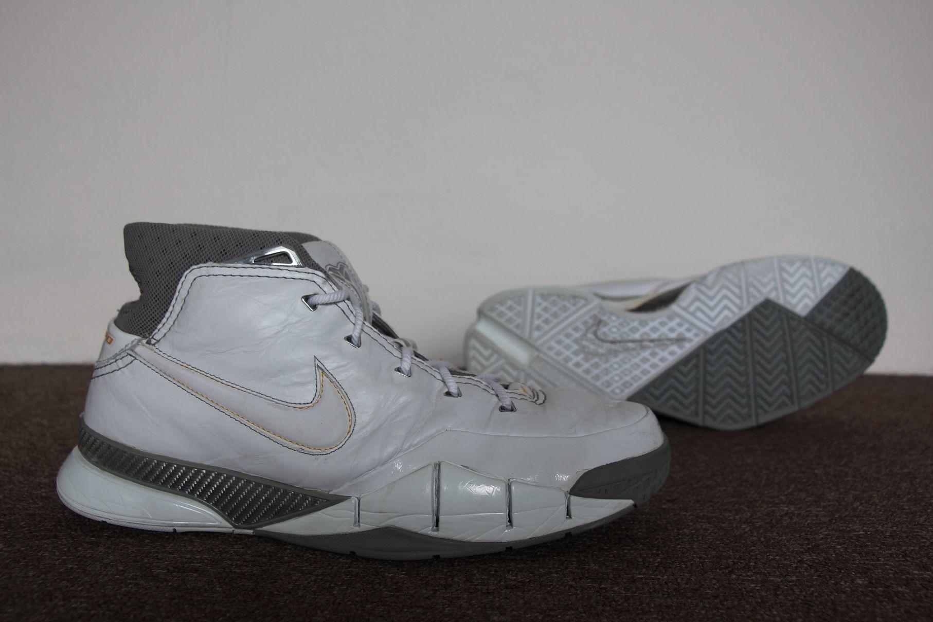 f4c46634228b 2006 Nike Zoom Kobe 1