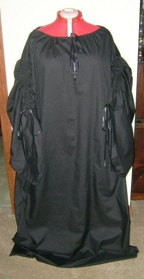 This chemise is perfect for all of your ren fair garb. Use it for your Irish ,Scottish wench, pirate what ever you can think of. Pair it up with