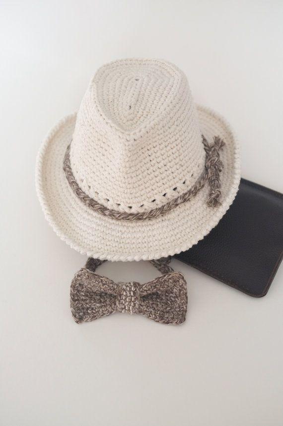 5d913a0f7e4 Muchacho bebé sombrero del sombrero y pajarita Set por milazshop Crochet  Cowboy Hats