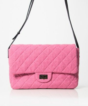 e1dfdf97299c Authentic secondhand Chanel rare pink boucle tweed flap messenger bag right  price labellov online webshop designer vintage luxury brands saf.