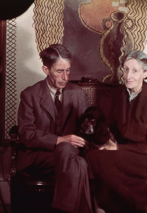 Virginia Woolf and Leonard Sidney Woolf (1939) by Gisèle Freund. National Portrait Gallery, London. Purchase, 1990, NPG 439. (Image: © The Estate of Gisèle Freund, courtesy of National Portrait Gallery, London)