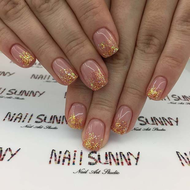 Pretty And Simple Glitter Nail Design For Thanksgiving Dinner