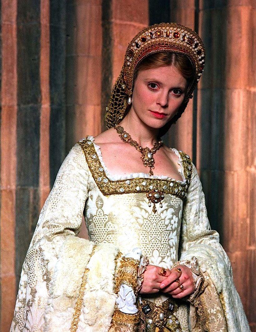 Emilia Fox as Jane Seymour in Henry VIII - 2003 | Tudor history ...