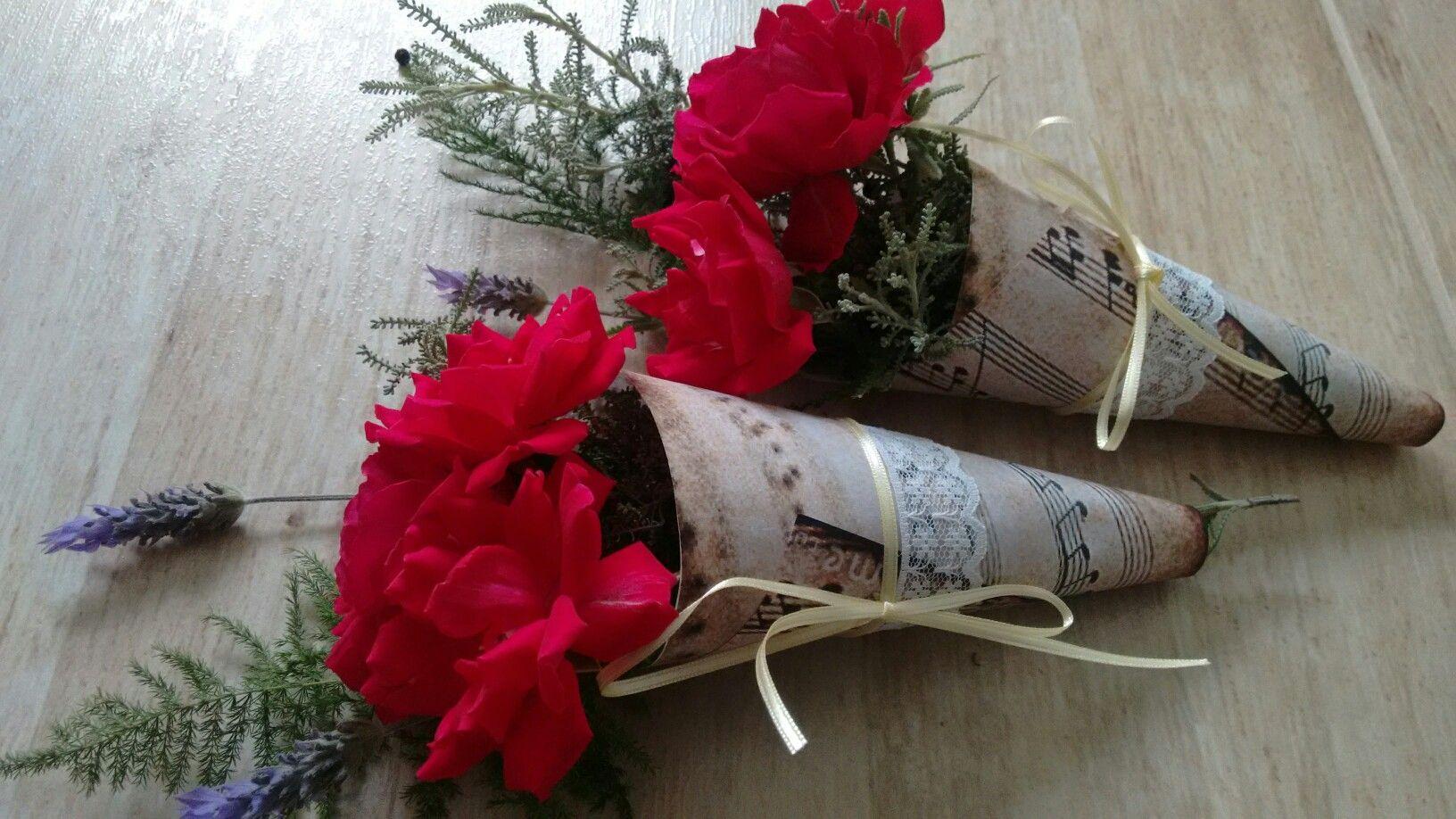 Presente con rosas y lavandas