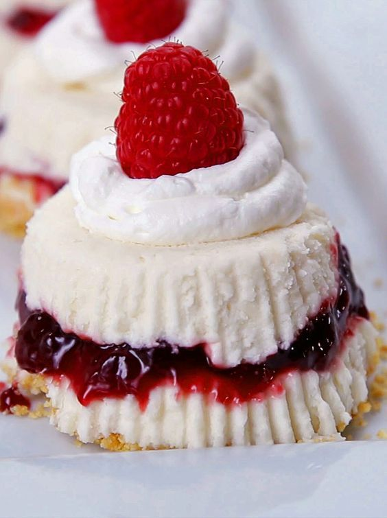 No-Bake White Chocolate Raspberry Cheesecakes: