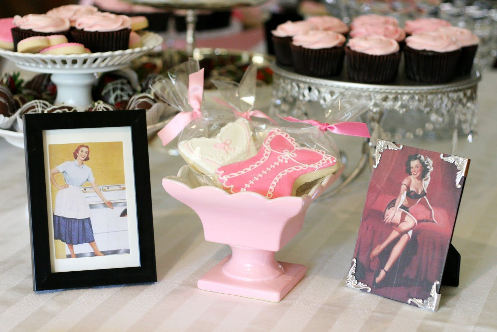 Linens and Lingerie {Wedding Shower | Lingerie cookies, Bridal ...