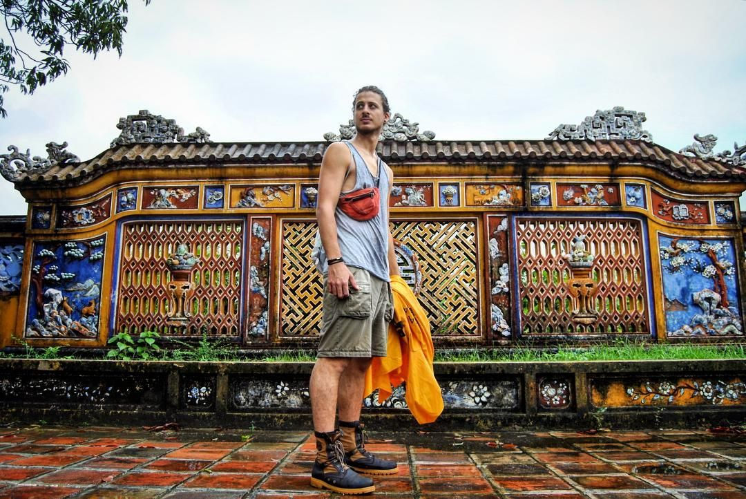 Imperial City Hue Vietnam. #travel #traveling #wanderlust #vietnam #hue #man #chico #hombre #amor #love #fortaleza #fort #yellow #amarillo #lifestyle #aventura #adventure #viaje #viajar #wanderlust #picoftheday #mochilero #backpackchallenge #backpaking