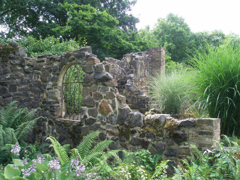 Rambling Through the Gardens & Estates of Kent, England ...