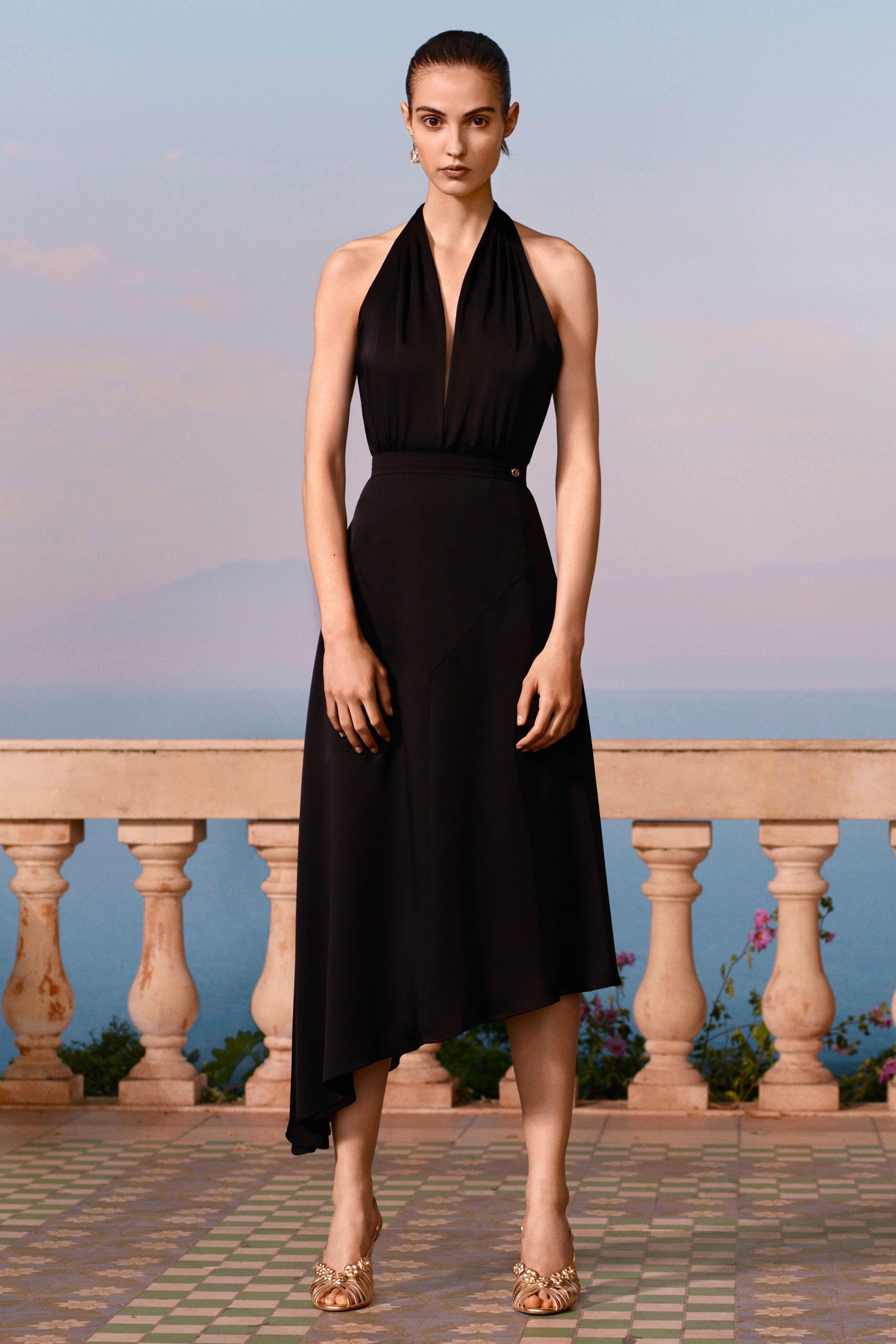 Minimalism: Keeping it Simple  Fashion, Runway fashion, Chanel resort