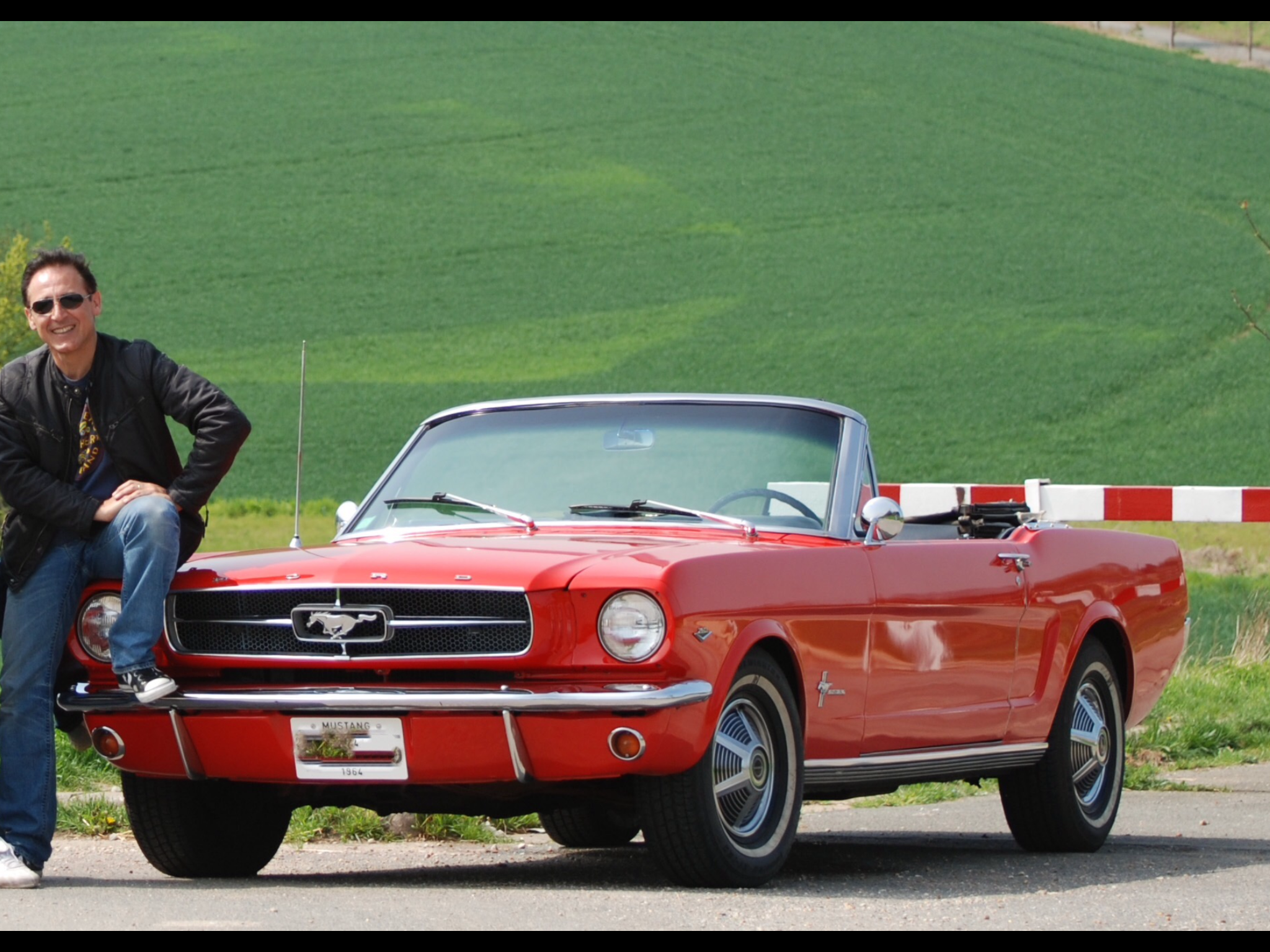 Ma Mustang 64 1 2 Et Moi Mustang Mustang Convertible Muscle Cars