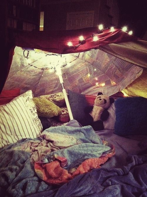33 Amazing Ideas That Will Make Your House Awesome: 16 Grownup Blanket Forts That Will Make You Feel Like A Kid Again