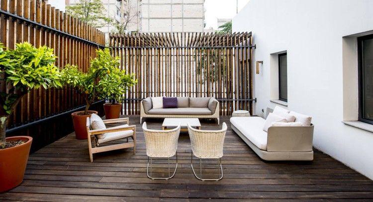 Idée aménagement terrasse en bois de style contemporaine des brise vue en bois