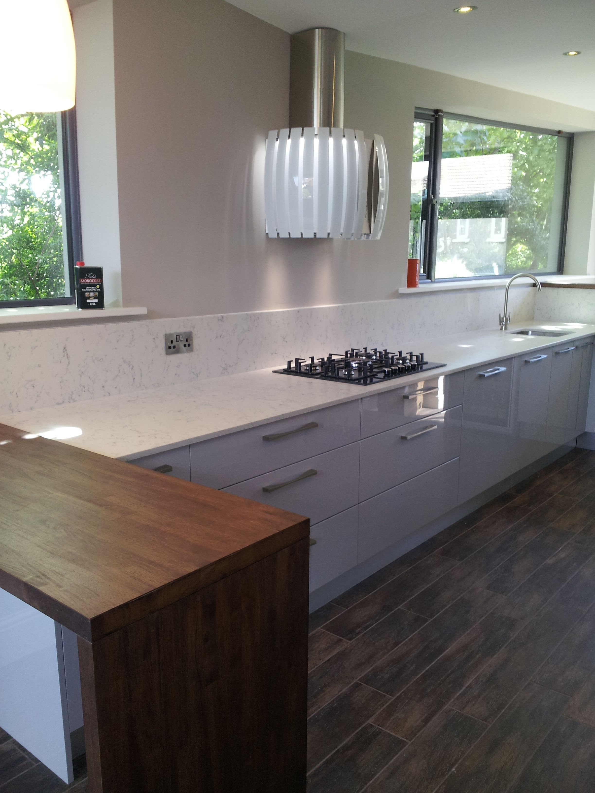 Silestone Lagoon with Solid oak stained Kitchen design