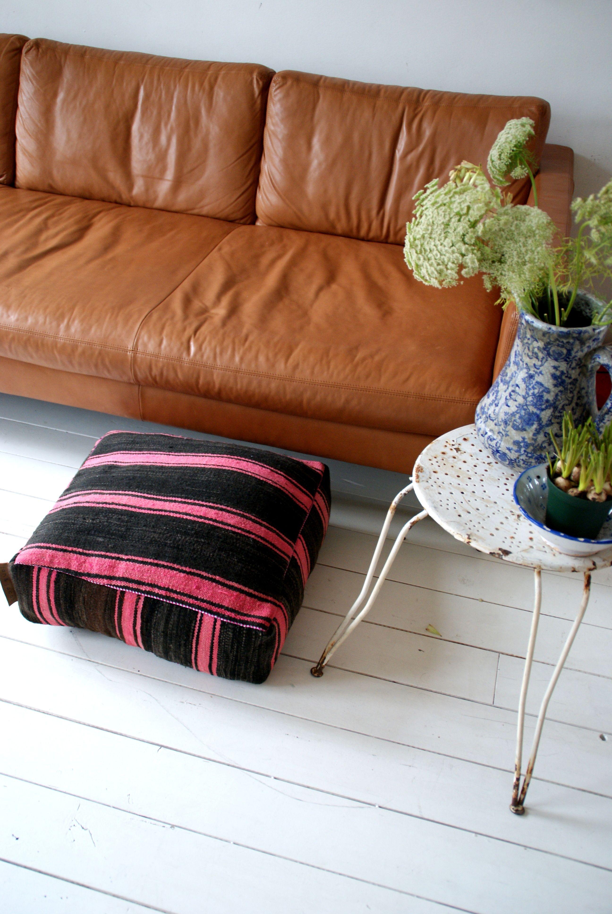 Unique & handmade pouf http://shop.janenjacob.nl/ https://www ...