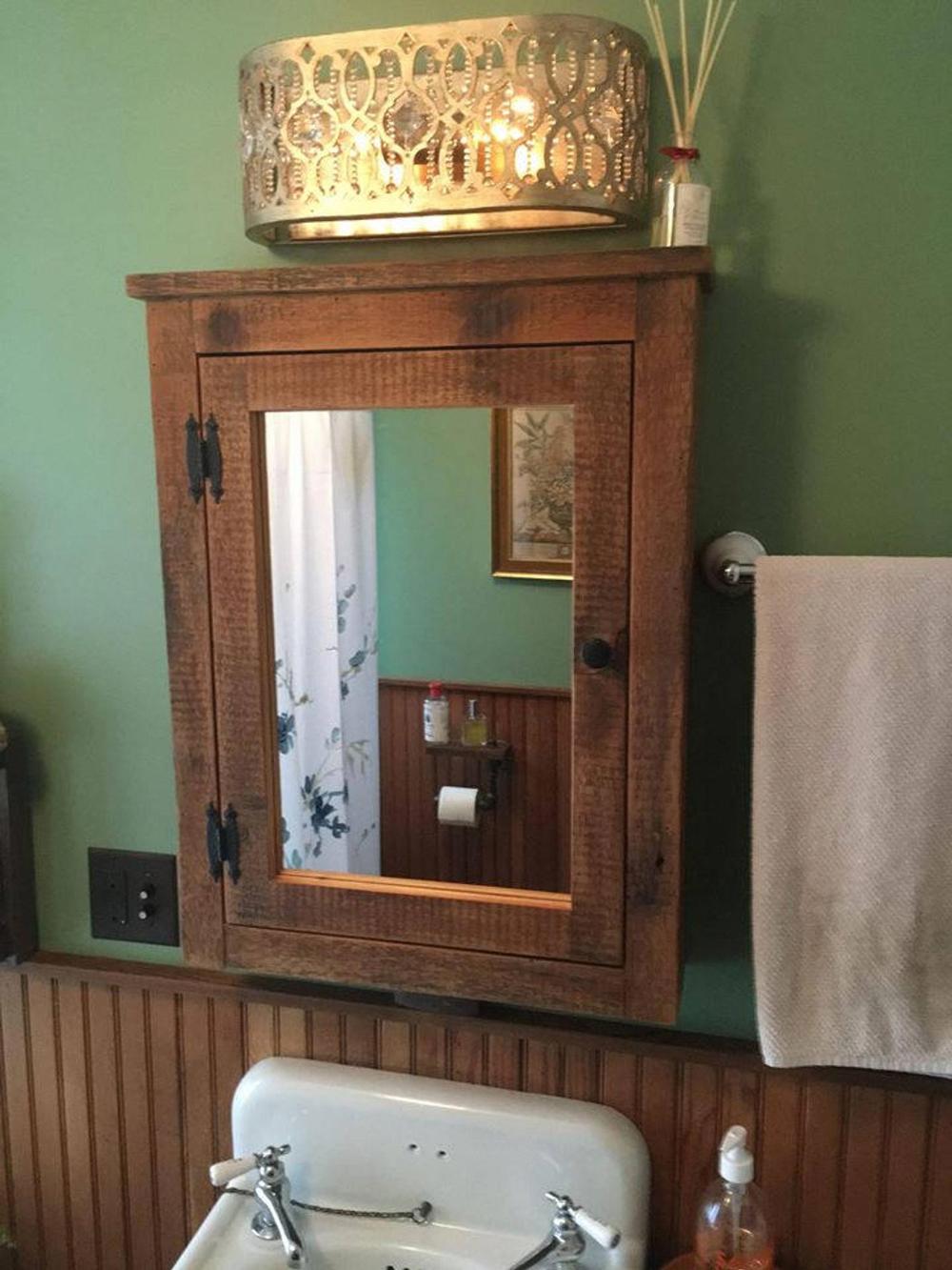 Bathroommirror In 2020 Medizinschrank Spiegel Rustikales Badezimmer Dekor Scheunenholz